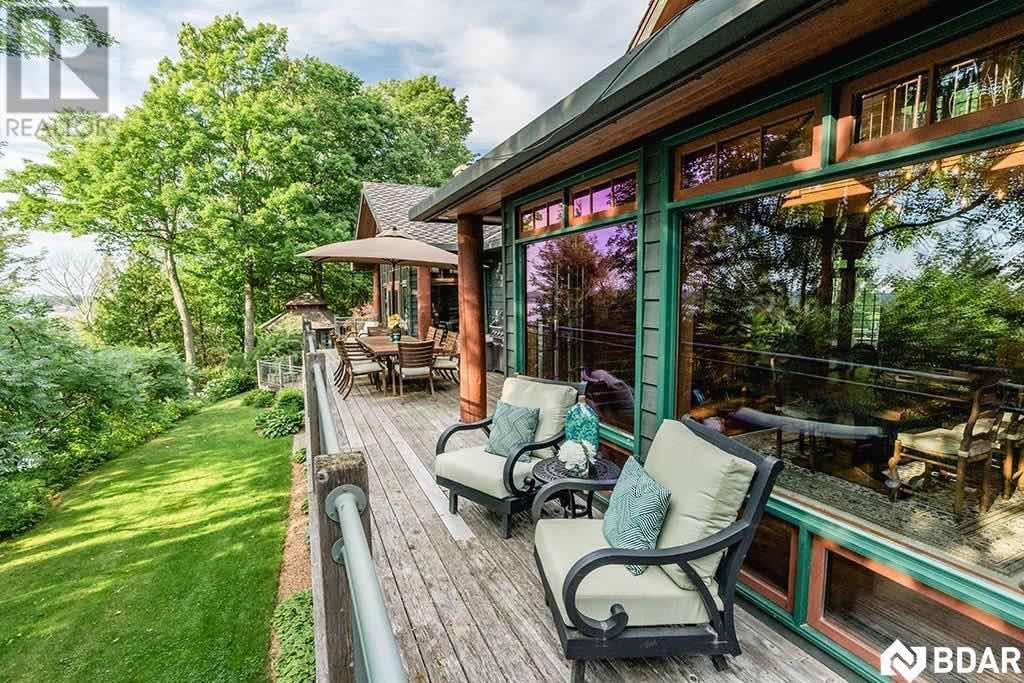 Spectacular Oro-Medonte Log Home For Sale